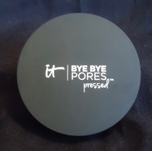 Photo of Bye Bye Pores Pressed Powder from It Cosmetics