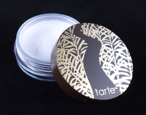 Photo of sample size Smooth Operator Amazonian Clay Finishing Powder from Tarte Cosmetics