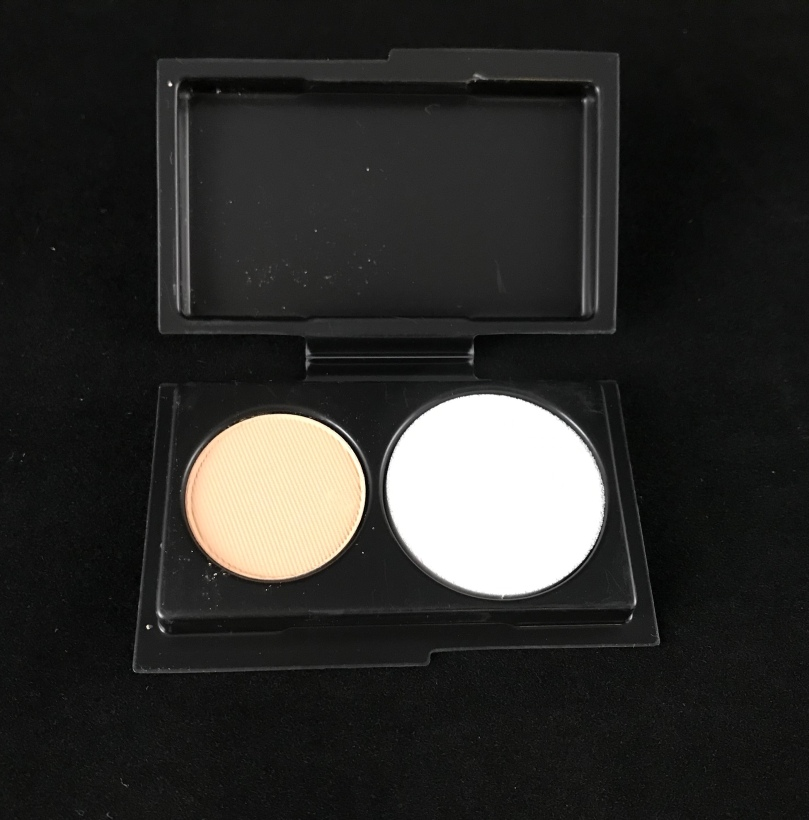 "Photo of sample size Studio Fix Powder Foundation in ""NC30'"" from MAC Cosmetics"